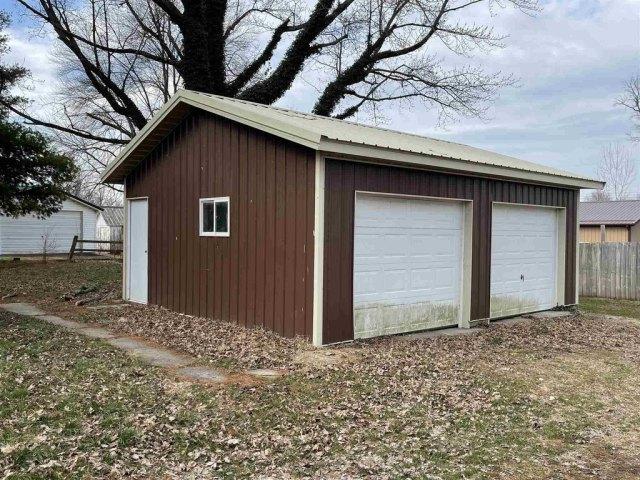 Garage featured at 742 Gray St, Bridgeport, IL 62417