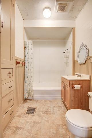 Bathroom featured at 435 3rd Ave N, Clinton, IA 52732