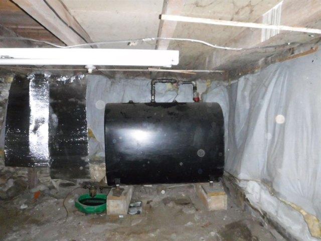 Garage featured at 27 Park St, Castleton, VT 05735