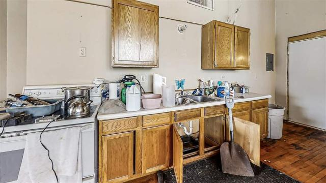 Laundry room featured at 505 Thompson St Units 500,725,725, Portage, WI 53901