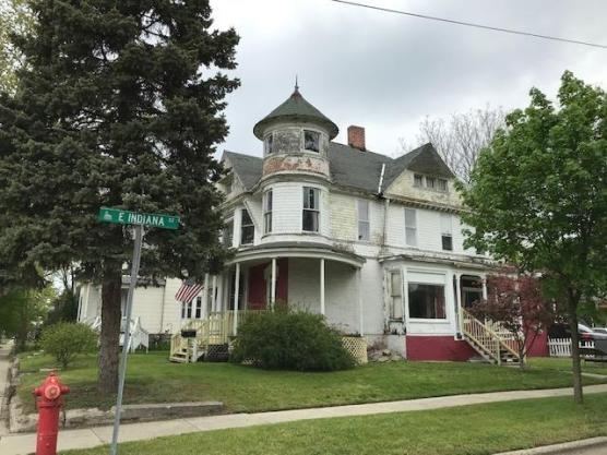 House view featured at 400 N Walnut St, Bay City, MI 48706