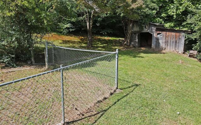 Yard featured at 858 Bluff Rd, Marble, NC 28905