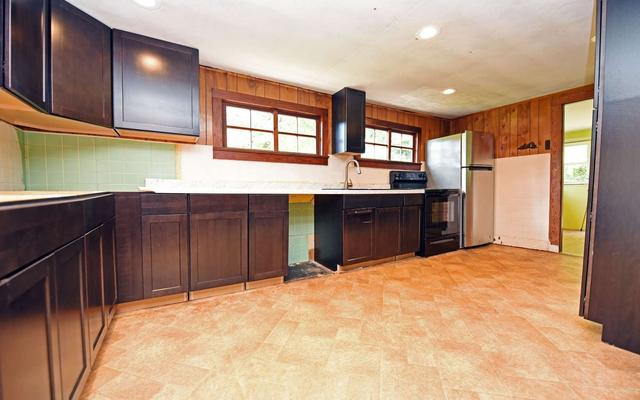 Kitchen featured at 858 Bluff Rd, Marble, NC 28905