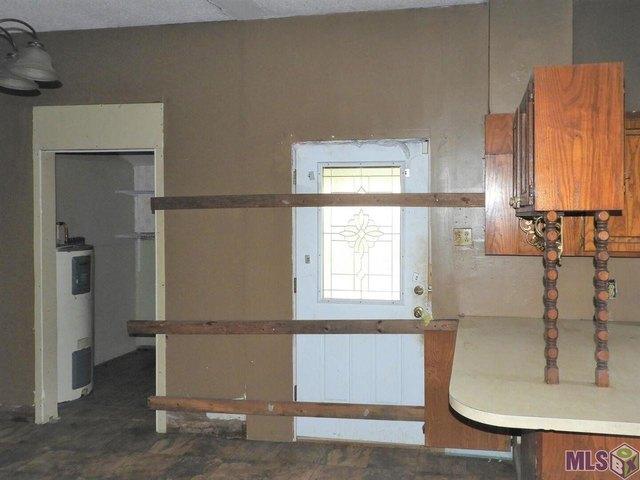 Kitchen featured at 504 Ollie St, Melville, LA 71353