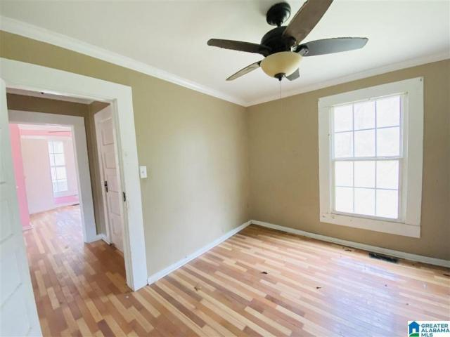 Bedroom featured at 801 Parker St, Anniston, AL 36201