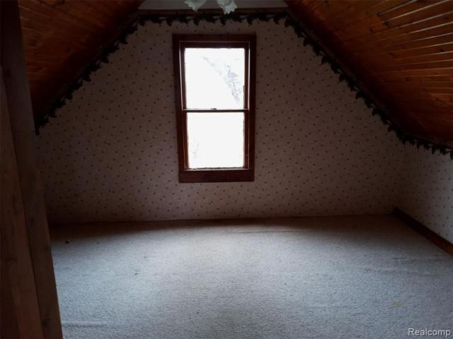 Living room featured at 4637 W Garrison Rd, Owosso, MI 48867