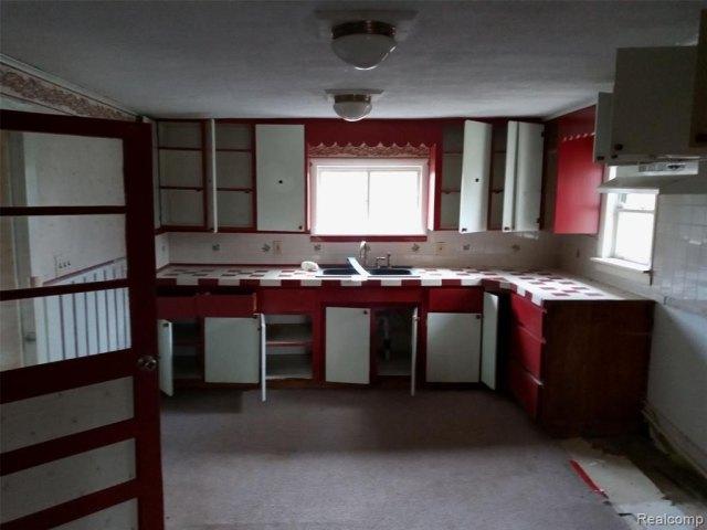 Kitchen featured at 4637 W Garrison Rd, Owosso, MI 48867