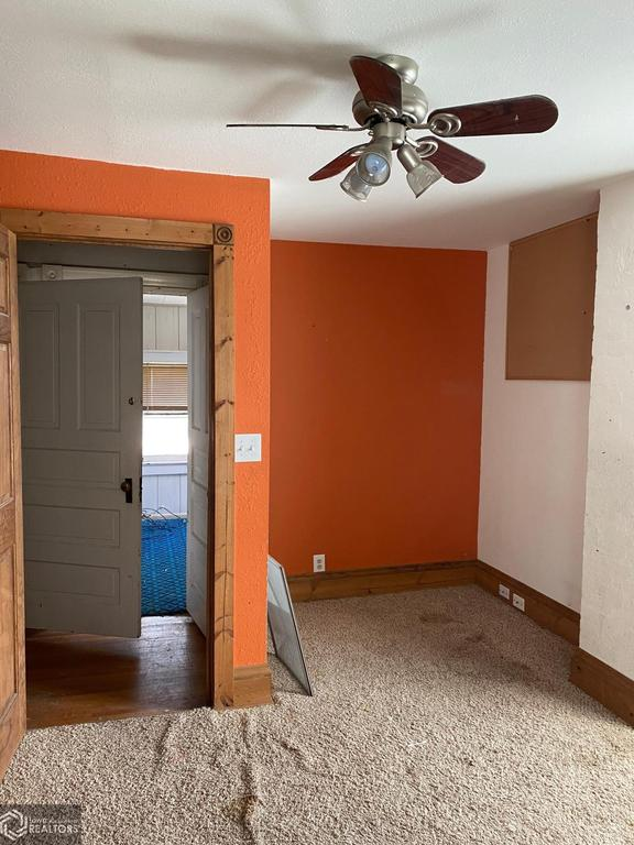 Bedroom featured at 900 E Hammond St, Red Oak, IA 51566