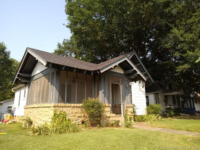 House view featured at 409 E Seminole Ave, McAlester, OK 74501