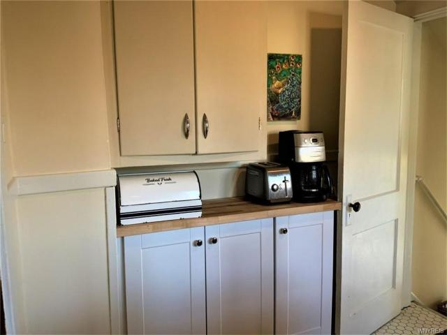 Laundry room featured at 2443 Willow Ave, Niagara Falls, NY 14305