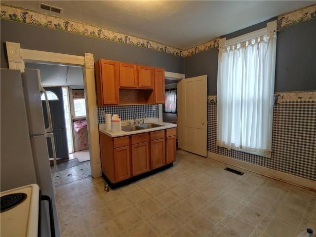 Kitchen featured at 706 N Sexton St, Rushville, IN 46173