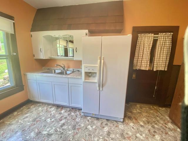 Kitchen featured at 204 Creasey Rd, Bluefield, VA 24605