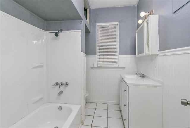 Bathroom featured at 3619 N Taylor Ave, Saint Louis, MO 63115