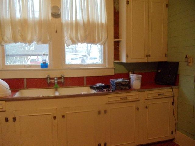 Kitchen featured at 69 5th St, Gates, TN 38037
