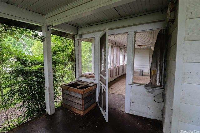 Porch featured at Bald Knob, AR 72010