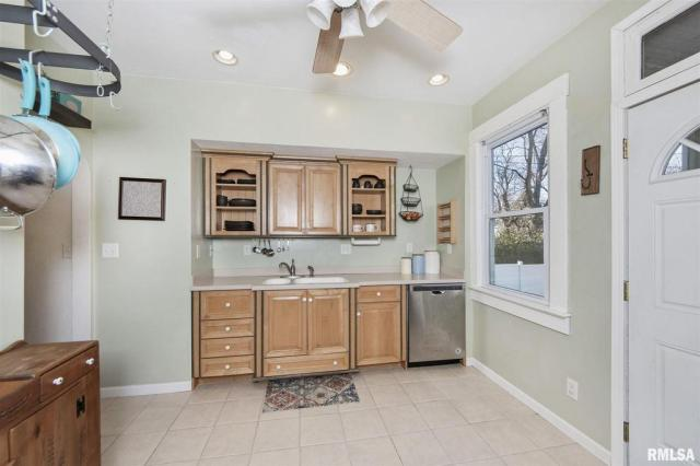 Kitchen featured at 1219 N Garfield Ave, Peoria, IL 61606