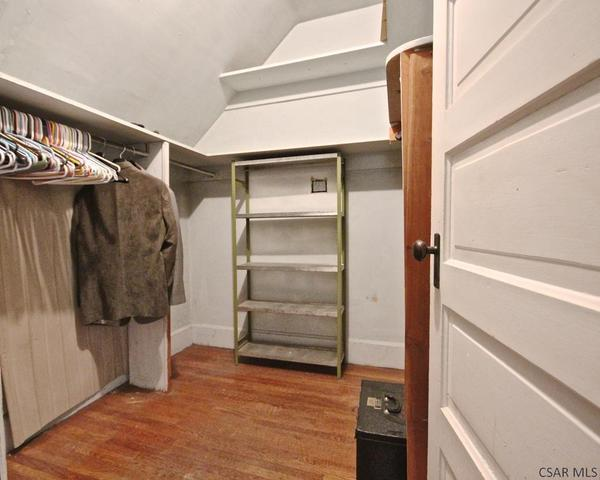 Laundry room featured at 415 Bucknell Ave, Johnstown, PA 15905