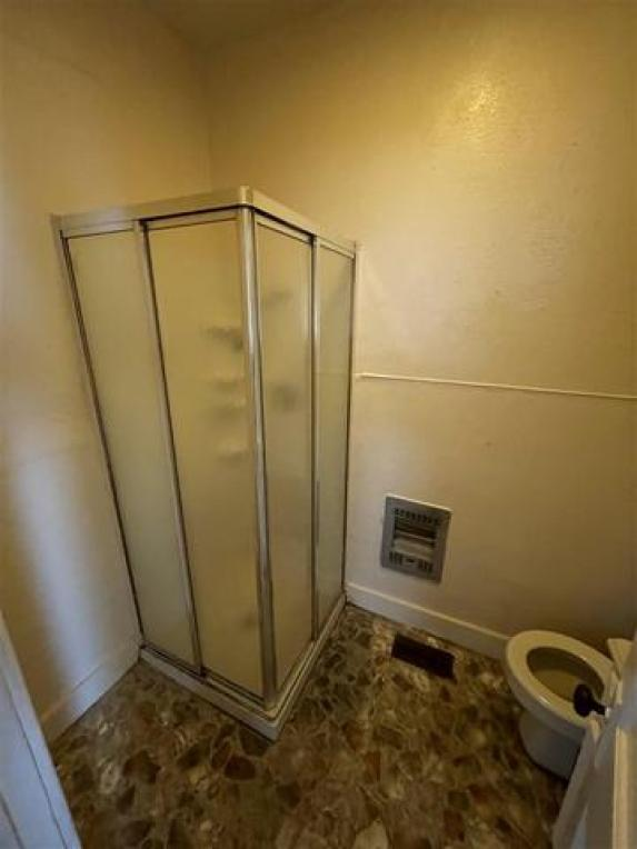 Bathroom featured at 228 Ridge St, South Shore, KY 41175