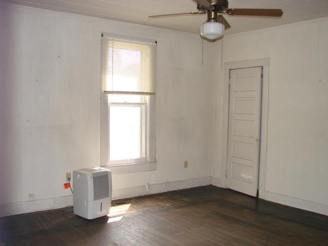 Property featured at 107 N Porter St, Paris, TN 38242