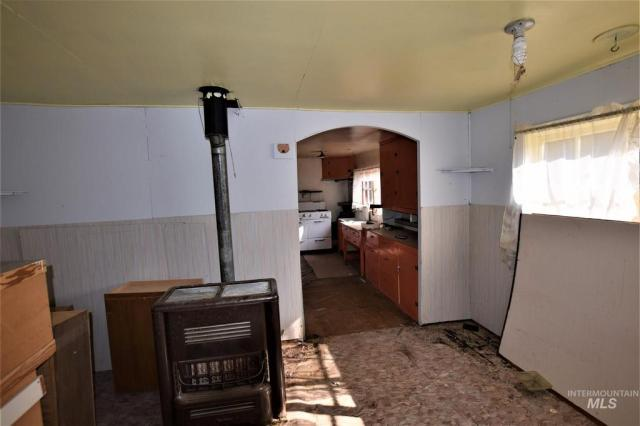 Kitchen featured at 2731 Dixie Rd, Dixie, ID 83525