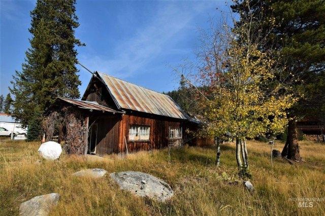 Farm land featured at 2731 Dixie Rd, Dixie, ID 83525