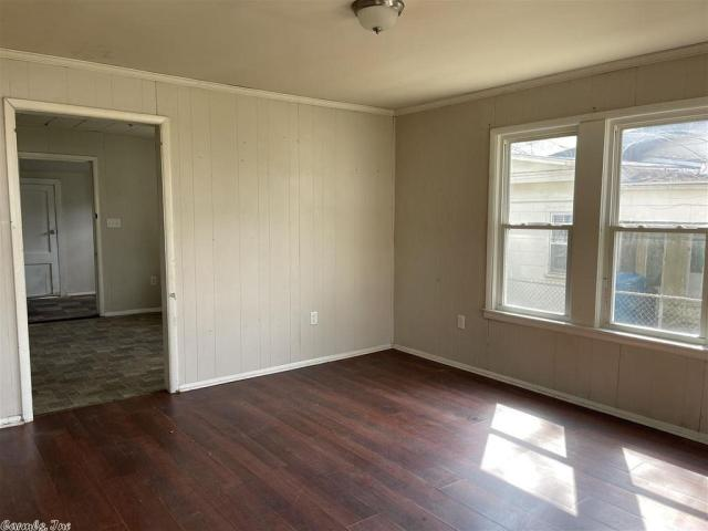 Bedroom featured at 917 McBee St, Malvern, AR 72104