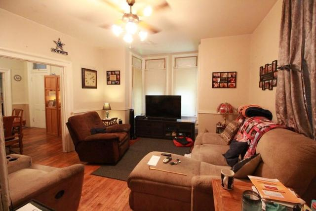 Living room featured at 217 NE 4th St, Abilene, KS 67410