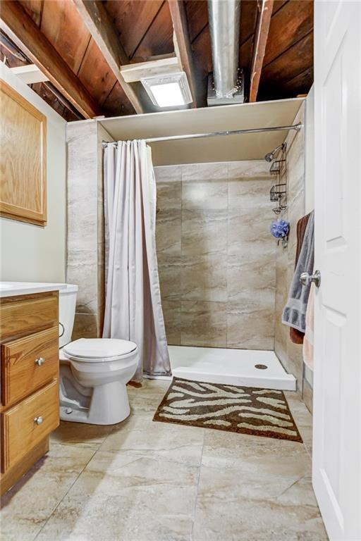 Bathroom featured at 214 Taylor Ave, Decatur, IL 62522