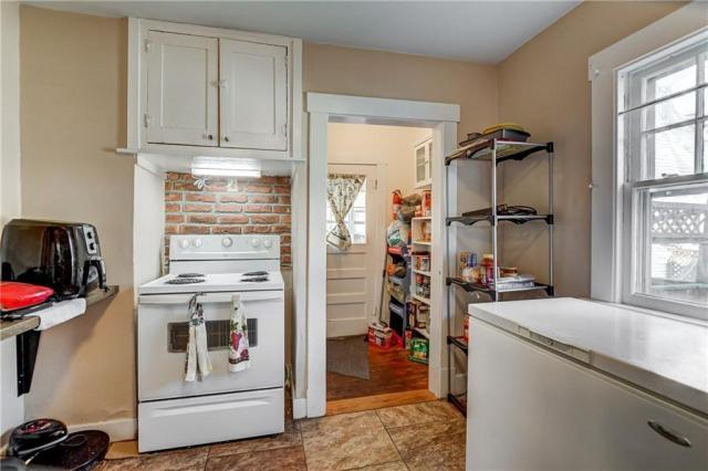 Laundry room featured at 214 Taylor Ave, Decatur, IL 62522