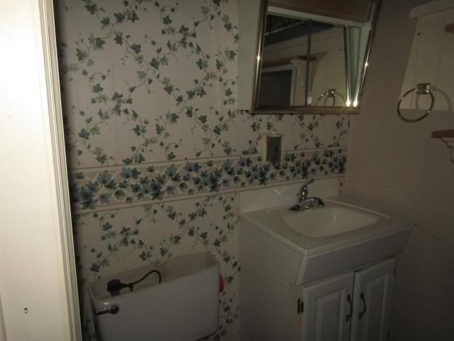Bathroom featured at 417 W Western Ave, Connersville, IN 47331