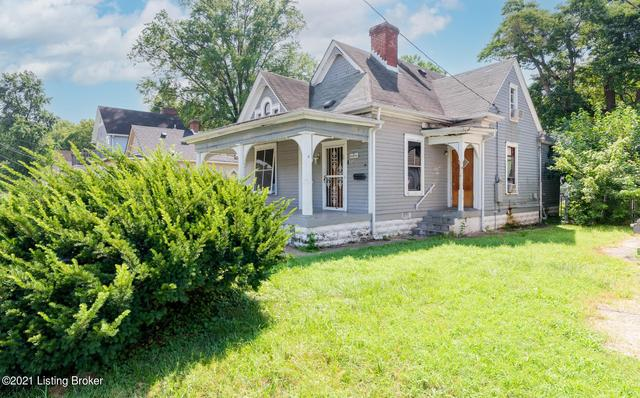 Porch yard featured at 1314 Olive St, Louisville, KY 40211