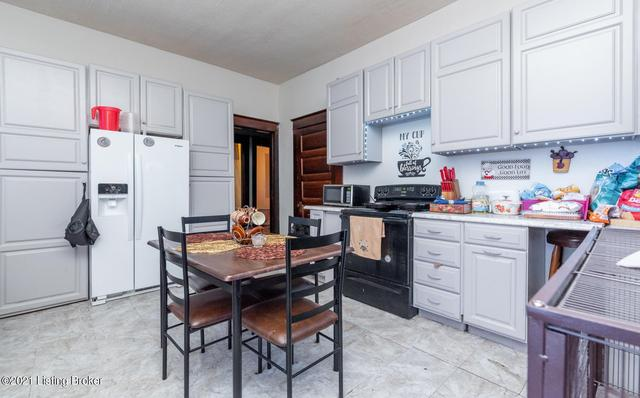 Kitchen featured at 1314 Olive St, Louisville, KY 40211
