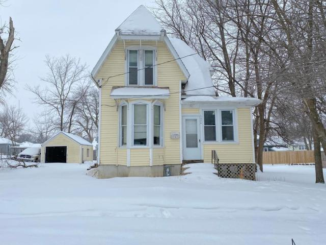 House view featured at 1224 James Ave, Albert Lea, MN 56007