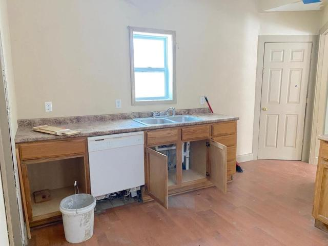 Kitchen featured at 1224 James Ave, Albert Lea, MN 56007