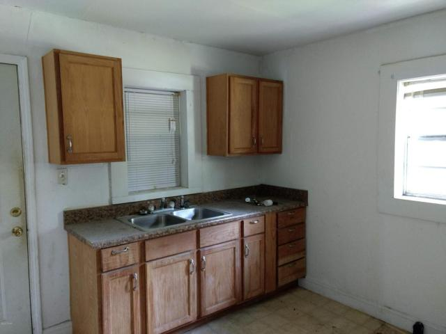 Kitchen featured at 603 W Kansas Ave, Bonifay, FL 32425