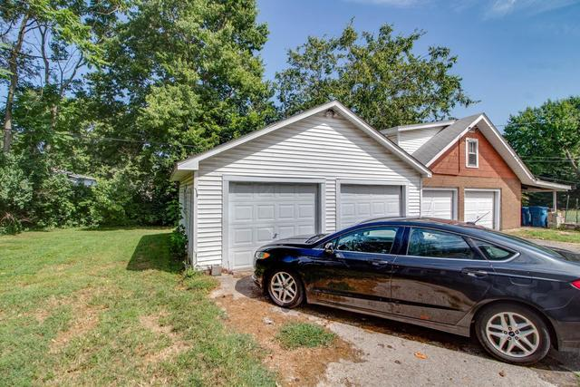 Garage featured at 3552 Aberdeen Ave, Alton, IL 62002