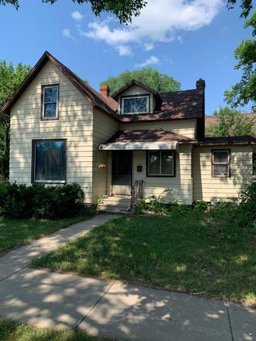 House view featured at 115 W 8th St, Morris, MN 56267