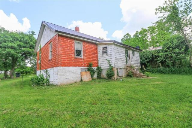 House view featured at 606 W School St, Crocker, MO 65452