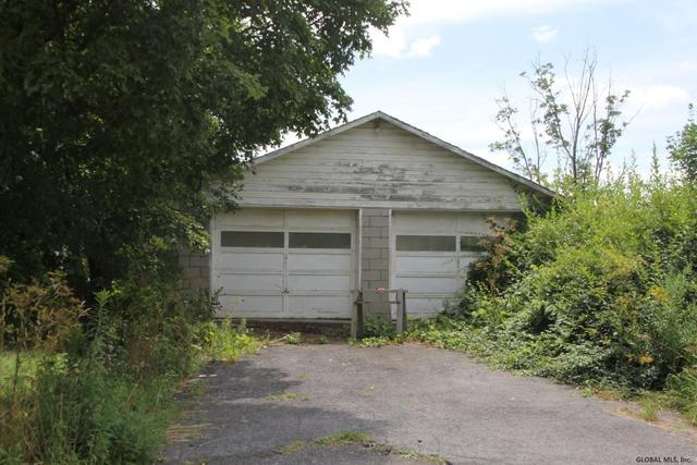 Garage featured at 2132 State Route 165, Seward, NY 12043
