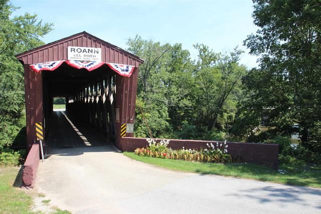 Garage featured at 435 S Chippewa Rd, Roann, IN 46974
