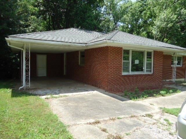Garage featured at 818 Holland Rd, Danville, VA 24541