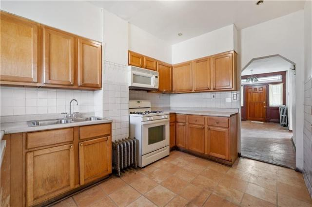 Kitchen featured at 1351 Hay St, Pittsburgh, PA 15221