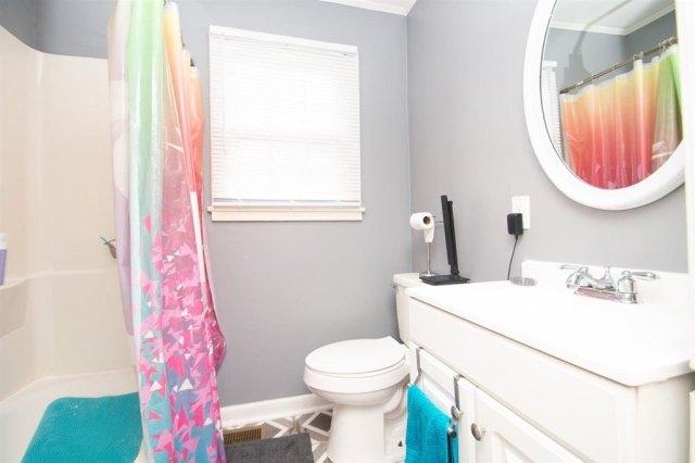 Bathroom featured at 127 Tinker Blvd, Warner Robins, GA 31093
