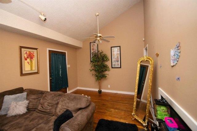 Living room featured at 127 Tinker Blvd, Warner Robins, GA 31093
