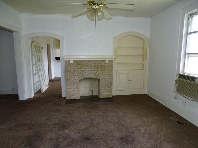 Living room featured at 415 N 17th St, Fort Smith, AR 72901