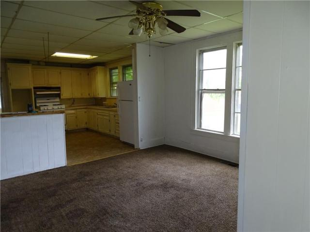 Laundry room featured at 415 N 17th St, Fort Smith, AR 72901