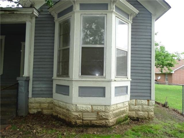 Porch featured at 415 N 17th St, Fort Smith, AR 72901