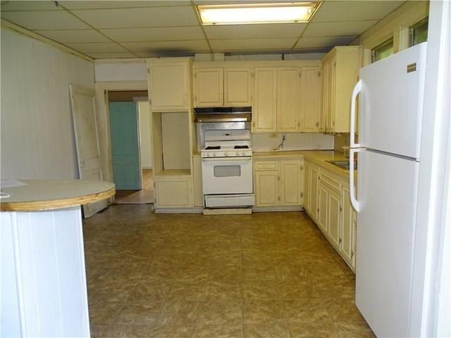 Kitchen featured at 415 N 17th St, Fort Smith, AR 72901
