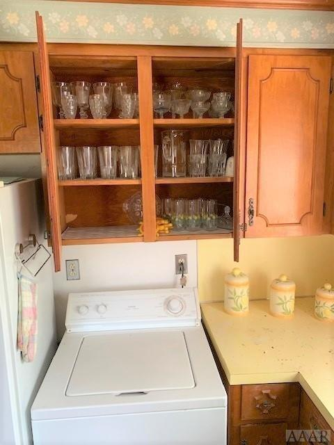 Laundry room featured at 2507 N Highway 45, Colerain, NC 27924