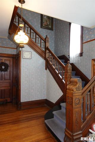 Property featured at 624 N Cherry St, Galesburg, IL 61401